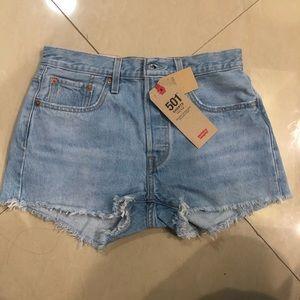 NWT Levi's 501 High Rise Denim Shorts-Size 27